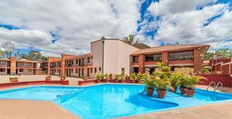 Villas Del Sol Hotel - Oaxaca - Piscina