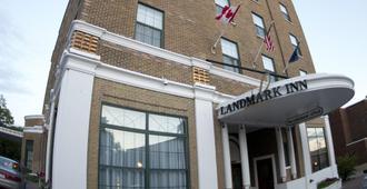 Landmark Inn - Marquette
