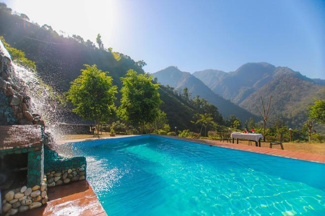 V Resorts Green Ganga Camp - Byasi - Pool