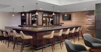 Four Points by Sheraton Charlotte - שרלוט - בר