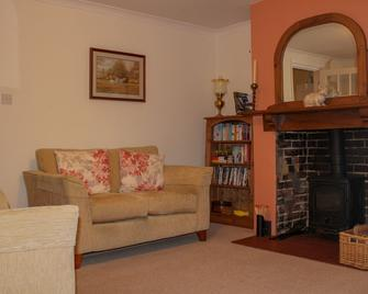Comfortable, characterful cottage for 3 in Tenterden, woodburner and parking - Tenterden