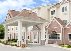 Microtel Inn & Suites by Wyndham Greenville/University Med - Greenville - Rakennus