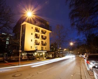 Trip Inn Klee Am Park Wiesbaden - Wiesbaden - Gebouw