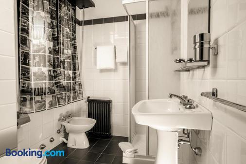 Radio Hotel - Rome - Phòng tắm
