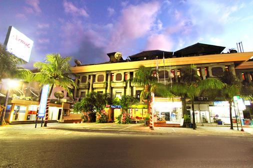 Nirmala Hotel - South Kuta - Gebäude