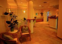 Toni's Guesthouse - Κάβος - Σαλόνι ξενοδοχείου