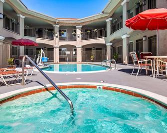 Best Western Santee Lodge - Santee - Bazén