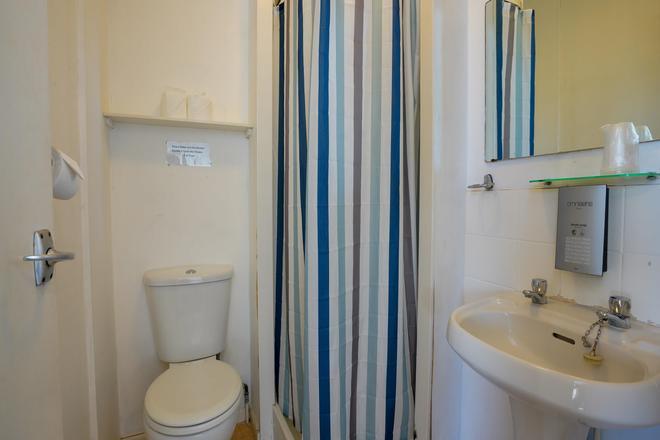 Shanklin Beach Hotel - Shanklin - Bathroom
