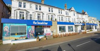 OYO Shanklin Beach Hotel - Shanklin - Building