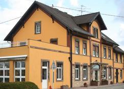Hotel Restaurant Ernenwein - Obermodern-Zutzendorf - Building