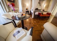 Victoria Hotel Letterario - Triest - Schlafzimmer