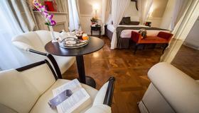 Victoria Hotel Letterario - Trieste - Quarto