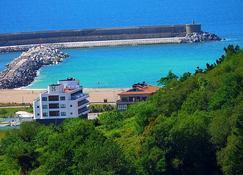 Hotel & Thalasso Villa Antilla - אוריו - נוף חיצוני