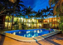 Ocean Park Motel & Holiday Apartments - Coffs Harbour - Pool