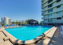 Gemini Court Holiday Apartments - Burleigh Heads - Alberca