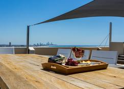 Gemini Court Holiday Apartments - Burleigh Heads - Chambre