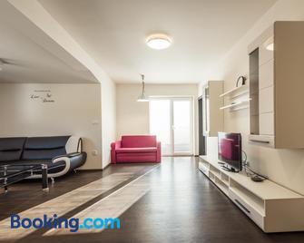 Mami Style Apartments - Liptovský Hrádok - Wohnzimmer