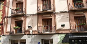 Hotel La Paz - Jaca - Bâtiment