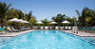 Even Hotel Miami - Airport, An IHG Hotel - Miami - Pool