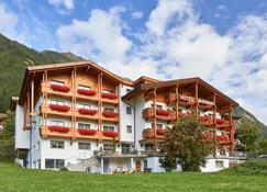 Alpenhotel Schönwald - Rio di Pusteria - Building