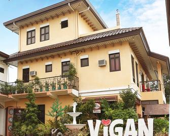 Collado Hotel - Vigan City - Building