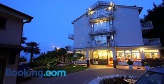 Hotel Pansion Stanger - Lovran - Edificio