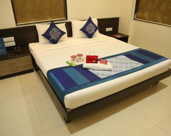 Oyo Rooms Thermax Pimpri - Pimpri - Chinchwad - Bedroom