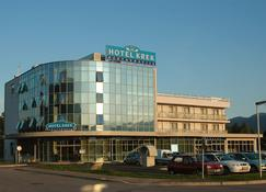 Hotel Krek - Lesce - Gebäude