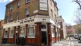 The Phoenix Hostel - London - Building