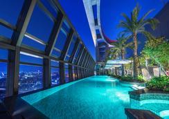板橋凱撒大飯店 - 台北 - 游泳池