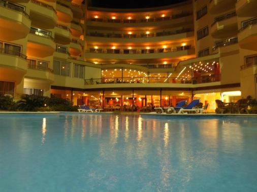 Magic Beach Hotel - Hurghada - Uima-allas