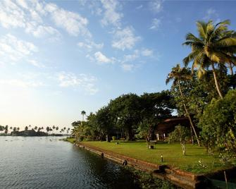 Punnamada Resort - Alappuzha - Outdoor view