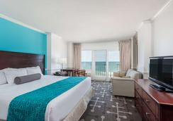 Howard Johnson Plaza by Wyndham Ocean City Oceanfront - Ocean City - Bedroom