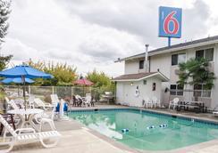 Motel 6 Seattle Sea Tac Airport South - SeaTac - Pool