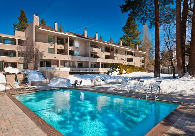 Aston Lakeland Village Beach & Mountain Resort - South Lake Tahoe - Pool