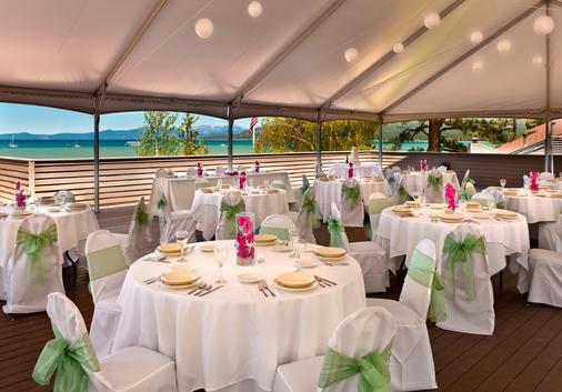 Aston Lakeland Village Beach & Mountain Resort - South Lake Tahoe - Banquet hall