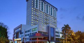 Aston Solo Hotel - סורקטה - בניין