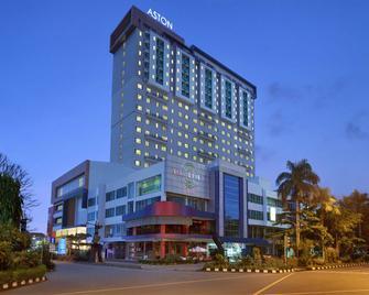 Aston Solo Hotel - Surakarta - Gebouw