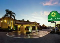 La Quinta Inn by Wyndham Tampa Bay Airport - Tampa - Building