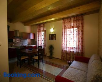 Locanda Donna Laura - Castel San Pietro Terme - Living room