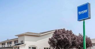 Rodeway Inn & Suites Spokane Valley - Spokane - Edificio