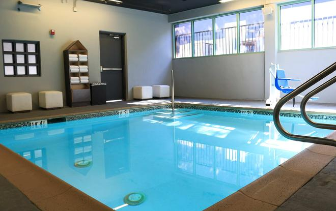 Blvd Hotel & Spa-Walking Distance To Universal Studios Hollywood - Los Angeles - Pool