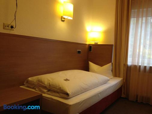 Hotel Fährhaus Ziehl - Geesthacht - Bedroom