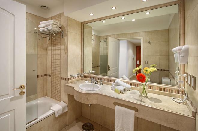 Hotel Intersur Recoleta - Buenos Aires - Kylpyhuone
