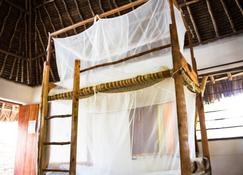Distant Relatives Ecolodge & Backpackers - Kilifi - Quarto
