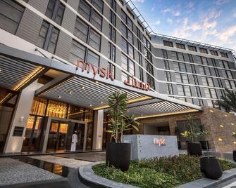 Mysk Al Mouj Hotel - Muscat - Building