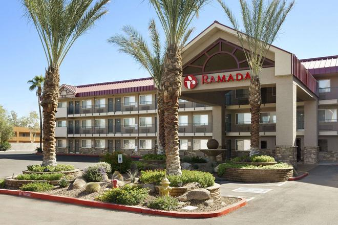 Ramada by Wyndham Tempe/At Arizona Mills Mall - Tempe - Gebäude