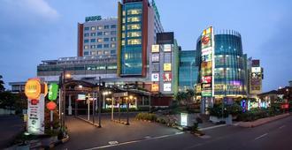 Harris Hotel & Convention Festival Citylink Bandung - Bandung - Building