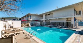 Motel 6 Mcallen - McAllen - Pool