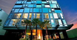 Galleria 10 Sukhumvit Bangkok By Compass Hospitality - Bangkok - Gebäude